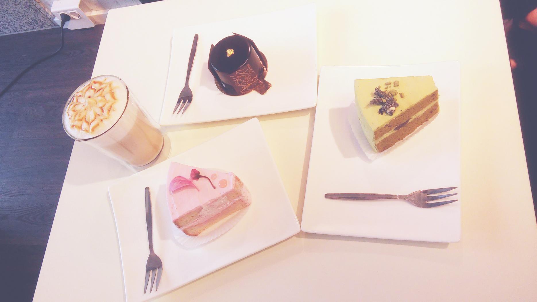 CAFÉ CERISIER: JAPANESE CAKES IN DÜSSELDORF